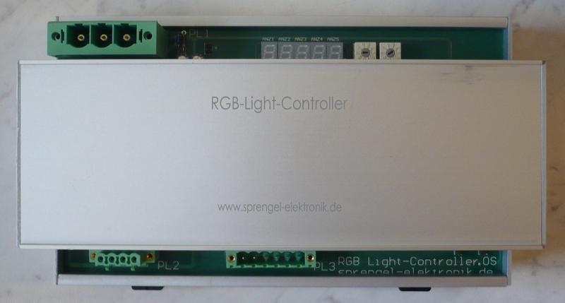 Top-View_RGB-Controller_02.JPG